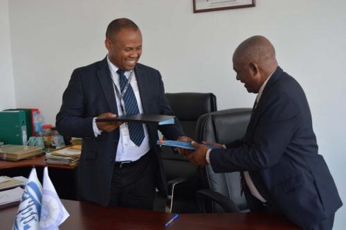 13 11 17 Signature du protocole d'accord d'échange de données entre le CFIM et le CNRO